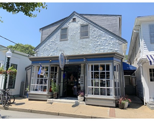 53 Circuit Ave - Oak Bluffs, MA