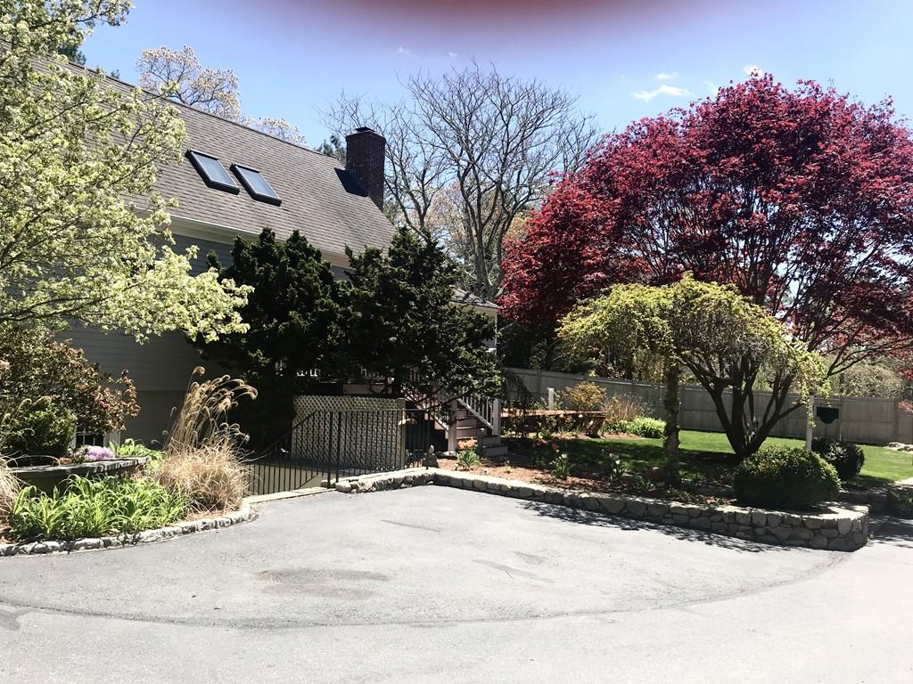 35 Carter Lane, Mashpee, Massachusetts