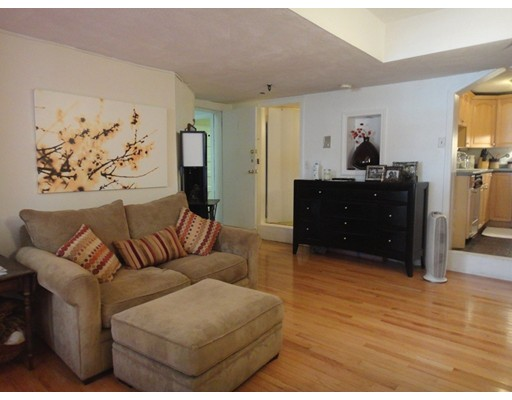 135 Commonwealth Ave, Boston, MA 02116