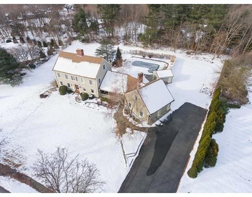 Photo: 10 Fieldstone Terrace, West Bridgewater, MA