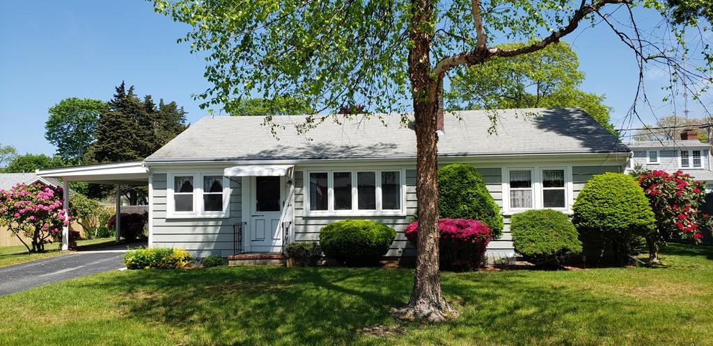 44 Russell Rd, Falmouth, Massachusetts