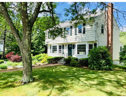 5 Pilgrim Ln, Medfield, MA 02052