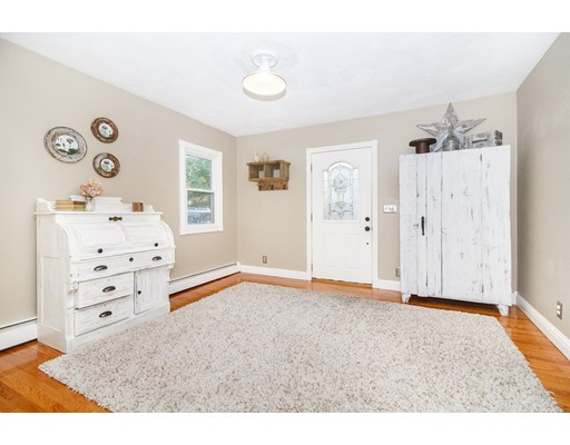 Picture 5 of 6 Louis Ave  Sudbury Ma 3 Bedroom Single Family