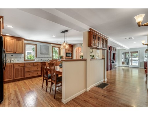 Picture 10 of 52 Cary Ave  Lexington Ma 4 Bedroom Single Family