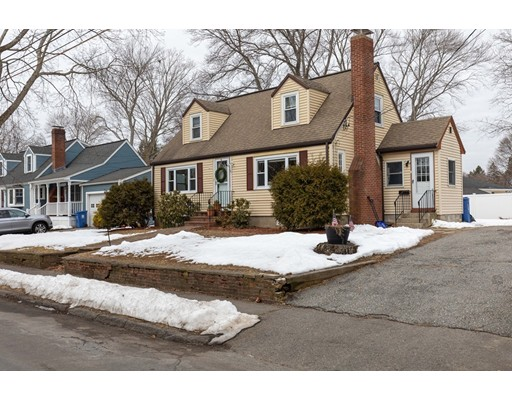 Picture 2 of 19 Muriel Ave  Wakefield Ma 3 Bedroom Single Family
