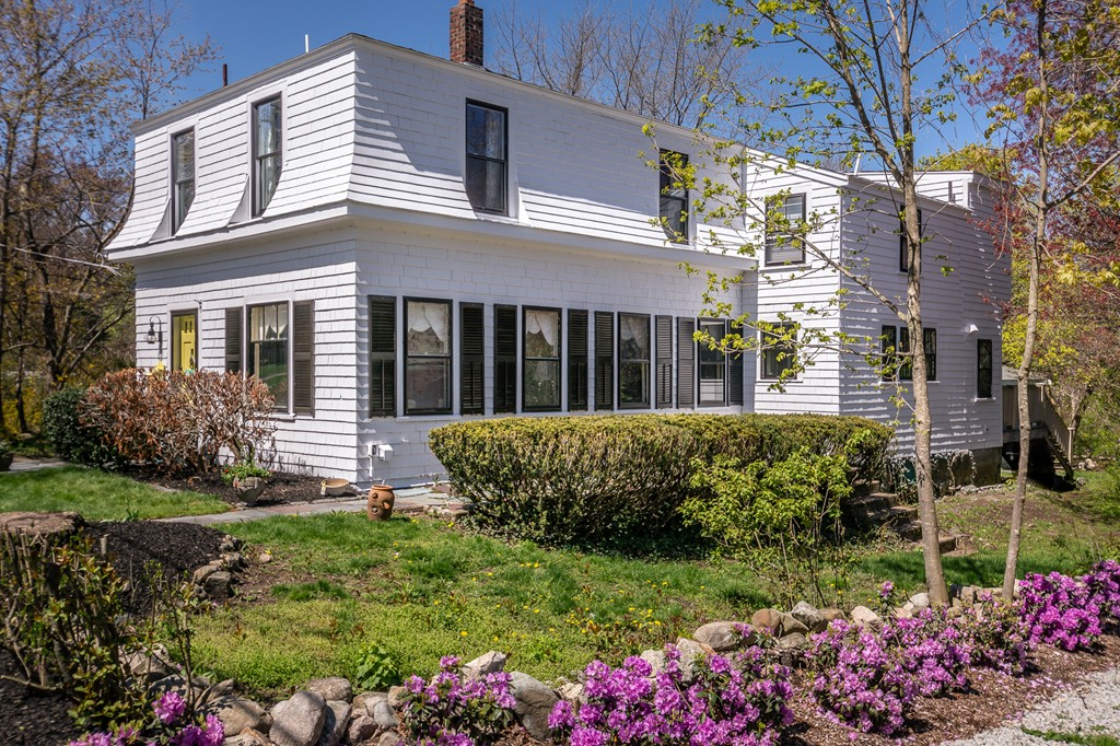 101 Pleasant Street, Cohasset, Massachusetts