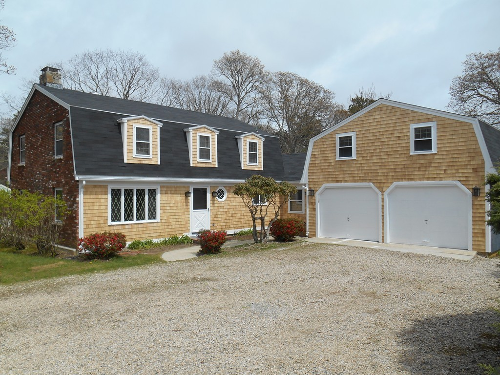 2 Rolling Acres Lane, Falmouth, Massachusetts