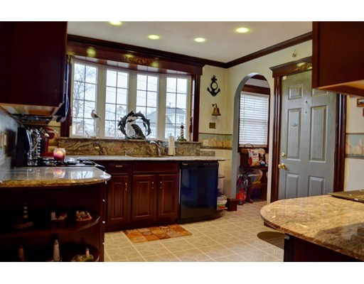 Picture 10 of 4 Bedford St  Quincy Ma 7 Bedroom Multi-family