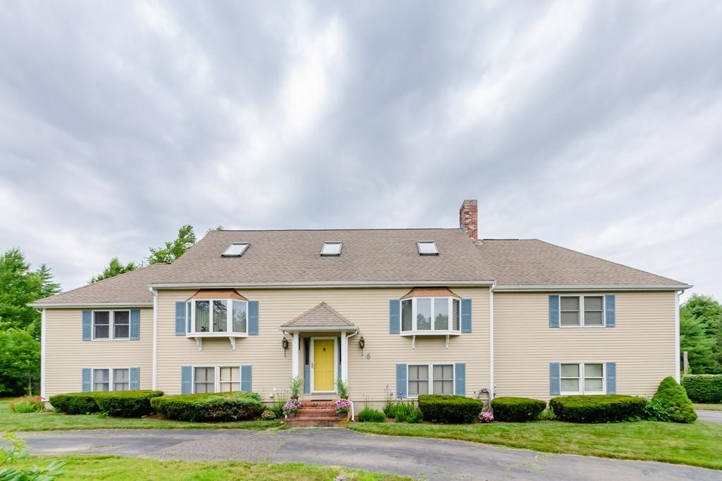 6 Holly Tree Lane, Middleboro, Massachusetts