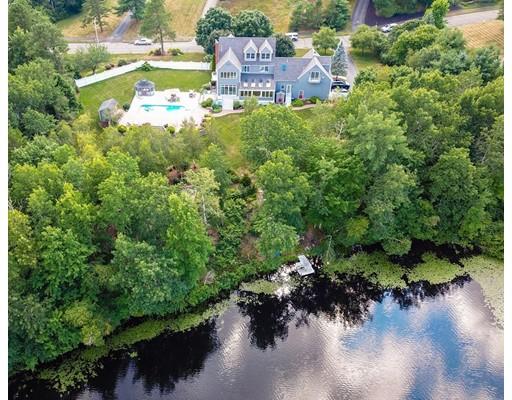 Photo: 10 Beaumonts Pond Dr, Foxboro, MA