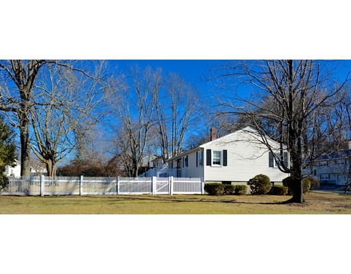 Picture 4 of 23 Oakcrest Circle  Methuen Ma 3 Bedroom Single Family