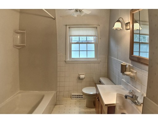 Picture 11 of 23 Oakcrest Circle  Methuen Ma 3 Bedroom Single Family