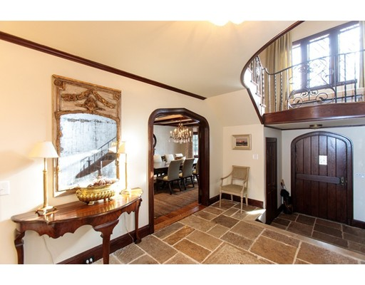 165 Cliff Rd, Wellesley, MA Photo #2