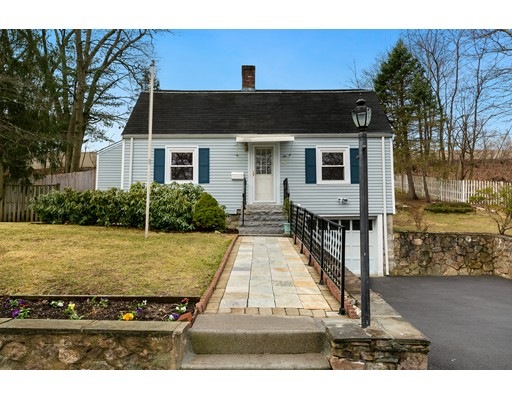 Picture 1 of 6 Centre St  Natick Ma  4 Bedroom Single Family