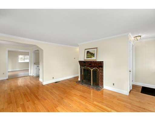 Picture 2 of 6 Centre St  Natick Ma 4 Bedroom Single Family
