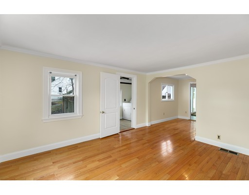 Picture 4 of 6 Centre St  Natick Ma 4 Bedroom Single Family