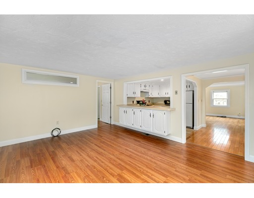 Picture 9 of 6 Centre St  Natick Ma 4 Bedroom Single Family