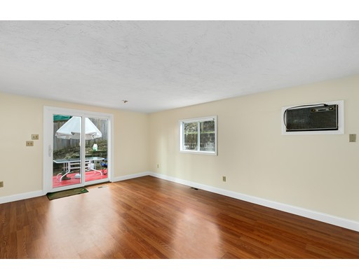 Picture 10 of 6 Centre St  Natick Ma 4 Bedroom Single Family