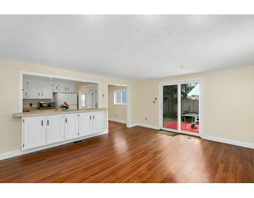 Picture 11 of 6 Centre St  Natick Ma 4 Bedroom Single Family
