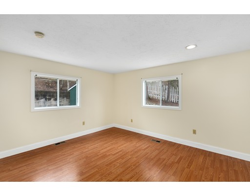 Picture 12 of 6 Centre St  Natick Ma 4 Bedroom Single Family