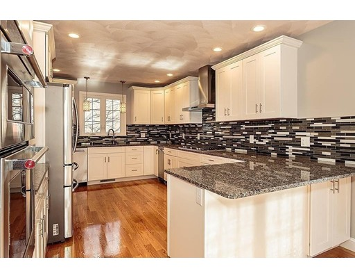 Picture 10 of 38 Pleasant St  Stoneham Ma 4 Bedroom Single Family
