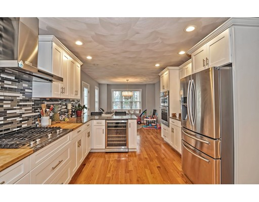Picture 13 of 38 Pleasant St  Stoneham Ma 4 Bedroom Single Family