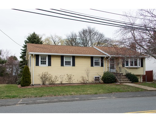 Picture 2 of 79 Valley St  Salem Ma 3 Bedroom Single Family