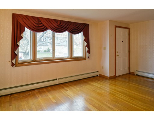 Picture 5 of 79 Valley St  Salem Ma 3 Bedroom Single Family