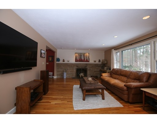 Picture 6 of 12 Drum Lane  Sudbury Ma 4 Bedroom Single Family