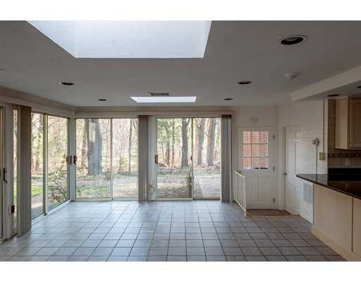 Picture 6 of 727 South Ave  Weston Ma 4 Bedroom Single Family