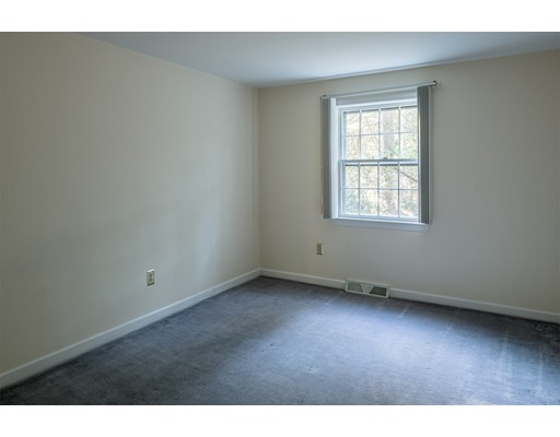 Picture 10 of 727 South Ave  Weston Ma 4 Bedroom Single Family