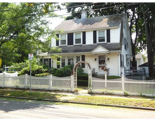 Picture 2 of 295 Upham St  Melrose Ma 3 Bedroom Single Family