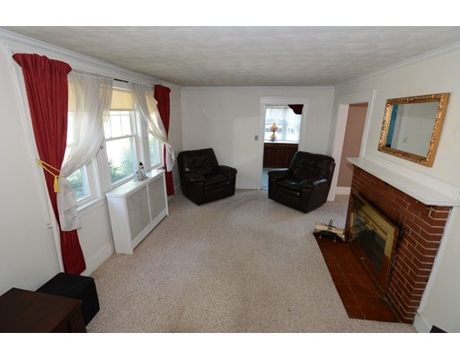 Picture 10 of 295 Upham St  Melrose Ma 3 Bedroom Single Family
