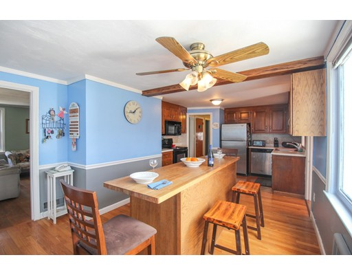 Picture 3 of 12 Thorndike Rd  Wakefield Ma 4 Bedroom Single Family