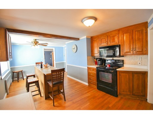 Picture 5 of 12 Thorndike Rd  Wakefield Ma 4 Bedroom Single Family