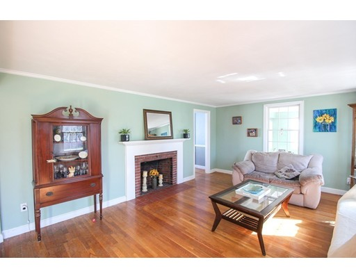 Picture 10 of 12 Thorndike Rd  Wakefield Ma 4 Bedroom Single Family