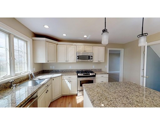 Picture 2 of 12 Jills Way  Peabody Ma 4 Bedroom Single Family