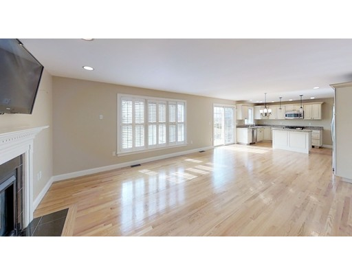Picture 3 of 12 Jills Way  Peabody Ma 4 Bedroom Single Family