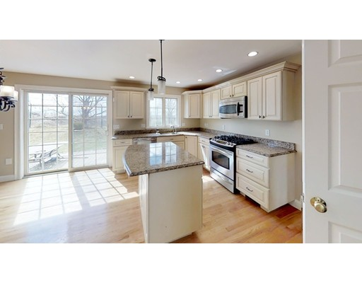 Picture 4 of 12 Jills Way  Peabody Ma 4 Bedroom Single Family