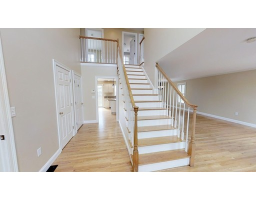 Picture 5 of 12 Jills Way  Peabody Ma 4 Bedroom Single Family