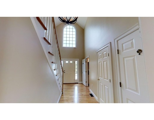 Picture 9 of 12 Jills Way  Peabody Ma 4 Bedroom Single Family