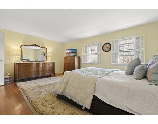 Picture 11 of 50 Lake Unit B Winchester Ma 2 Bedroom Condo