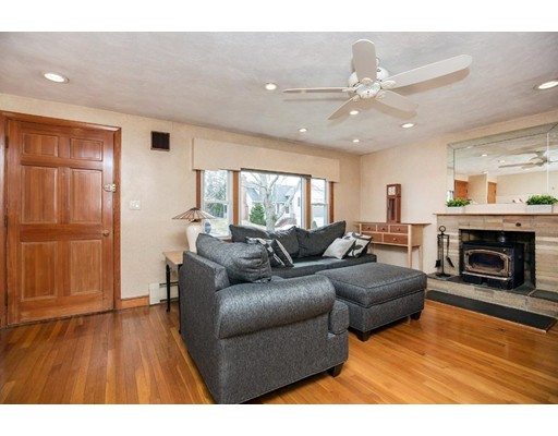 Picture 5 of 21 Beverly Ave  Marblehead Ma 3 Bedroom Single Family