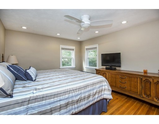 Picture 10 of 21 Beverly Ave  Marblehead Ma 3 Bedroom Single Family