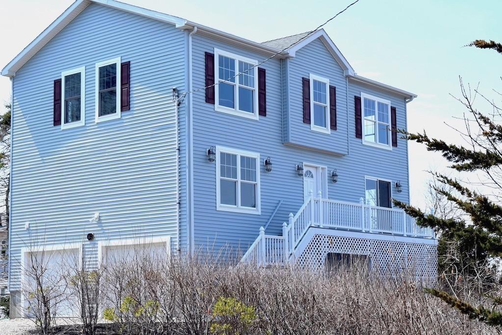 62 Oak Grove Ave, Falmouth, Massachusetts