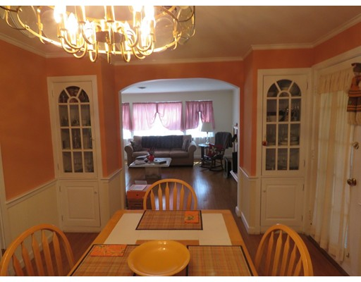 Picture 5 of 106 Oakmere St  Boston Ma 2 Bedroom Single Family