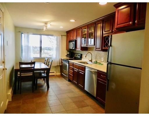 Picture 5 of 1 Laurent Rd Unit 5 Salem Ma 2 Bedroom Condo