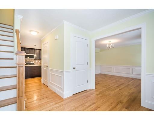 Picture 3 of 6 Fieldstone Lane  Billerica Ma 4 Bedroom Single Family