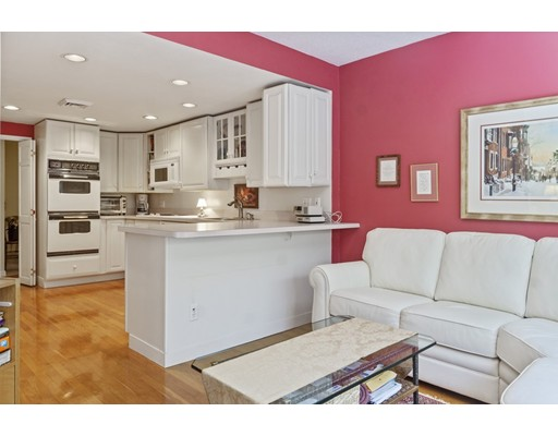Picture 4 of 65 Grove St Unit 145 Wellesley Ma 2 Bedroom Condo