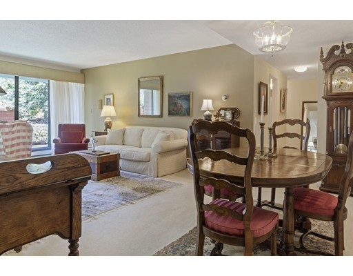 Picture 8 of 65 Grove St Unit 145 Wellesley Ma 2 Bedroom Condo